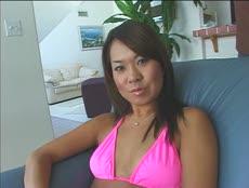 De belles brunettes passent un casting pour une scène anale! - MESVIP
