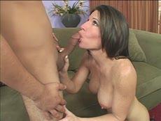 Maman se fait baiser par le voisin! - Free Porn - MESVIP