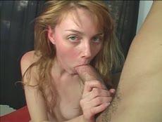 Teen nympho se régale avec une grosse bite! - MESVIP