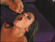 Elle se fait baiser par le livreur! - Porno - MESVIP